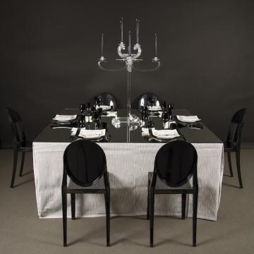 Noleggio tavoli rotondi quadrati in legno vimini e for Tavolo rotondo tovaglia