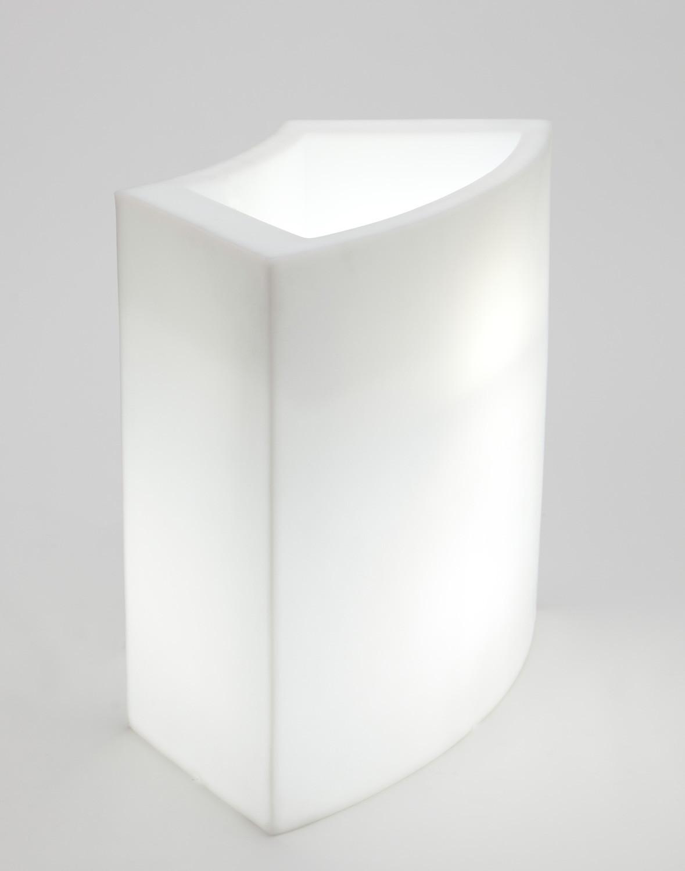 Noleggio arredi luminosi ice bar moduli luminosi for Noleggio arredi roma