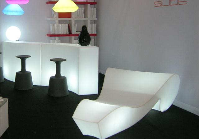 noleggio arredi luminosi chaise longue luminose