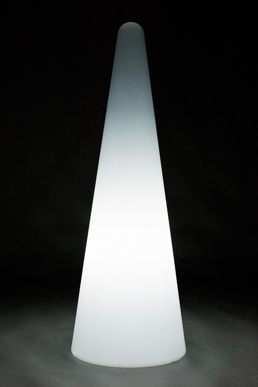 Noleggio arredi luminosi lampade cono luminose for Noleggio arredi