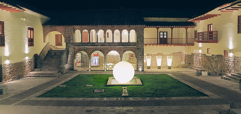 Noleggio arredi luminosi sfere globo da terra for Noleggio arredi bologna