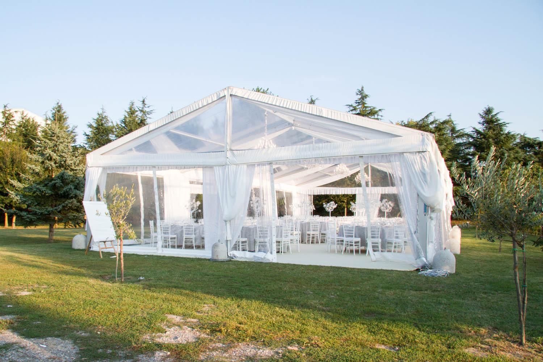 Matrimonio In Tensostruttura : Noleggio tensostrutture cristal