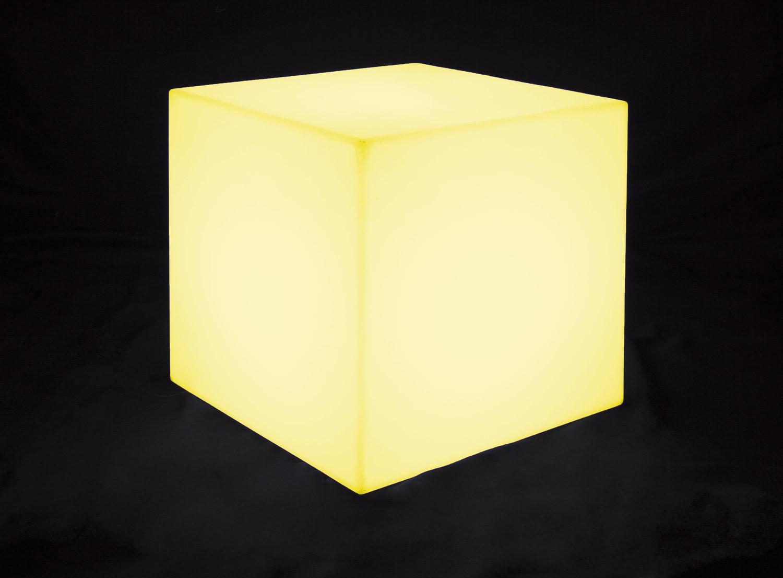 Noleggio arredi luminosi pouf cubo luminosi for Noleggio arredi bologna