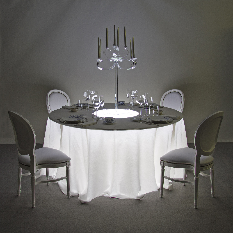 Noleggio tavoli tavoli rotondi luminosi for Piani per gazebo con camino