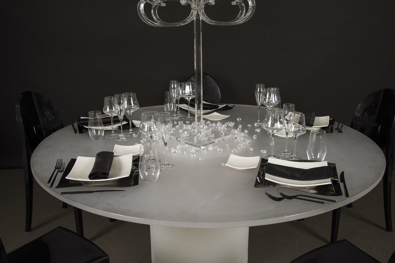 Noleggio tavoli tavoli rotondi mod elit non luminosi for Tavolo rotondo tovaglia