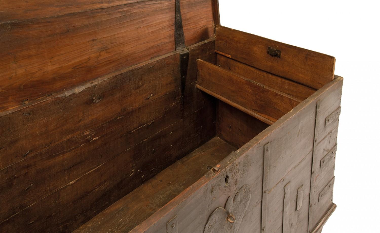 Arredi vintage cassapanche con ruote - Ruote per mobili vintage ...